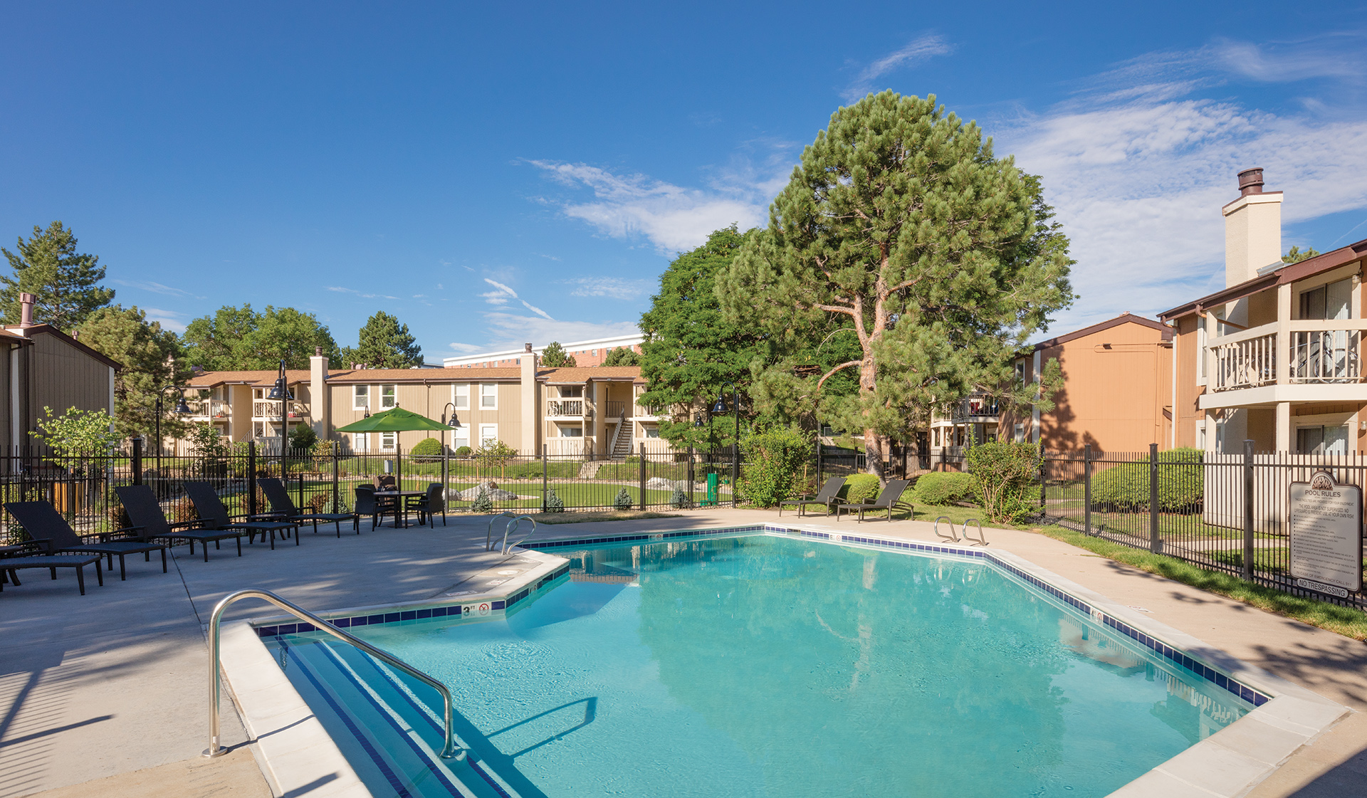 Creekside Apt Homes - Swimming Pool